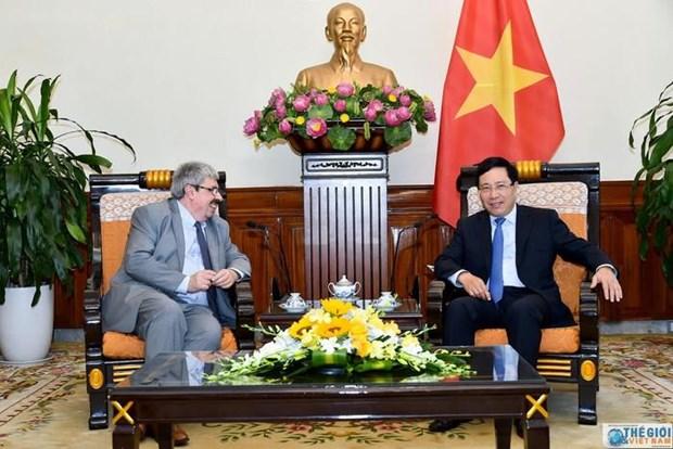 Vietnam, Uruguay hold political consultation hinh anh 1