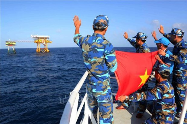 China's survey in Vietnam's EEZ violates int'l law: Indonesian expert hinh anh 1