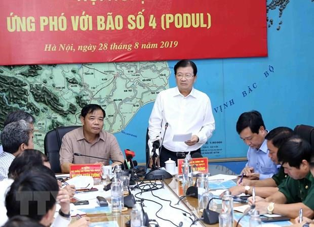 Storm Podul forecast to land in central region on August 30 hinh anh 1