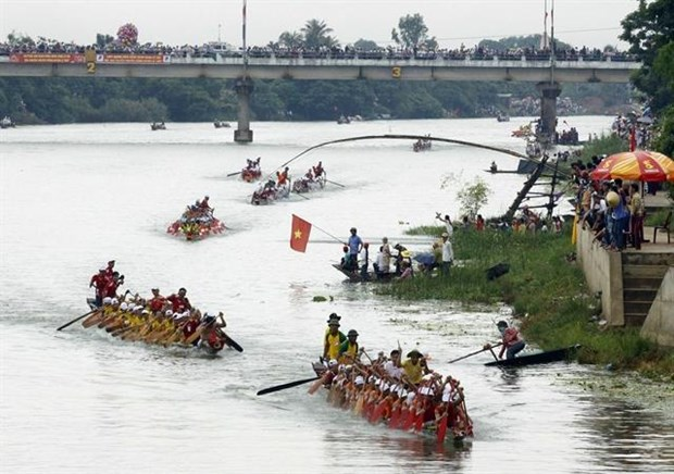 Quang Binh's festivals granted national heritage titles hinh anh 1