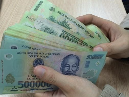 Central bank warns credit institutions over rate hikes hinh anh 1