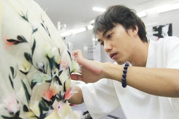 Vietnamese designer to take part in London Fashion Week hinh anh 1