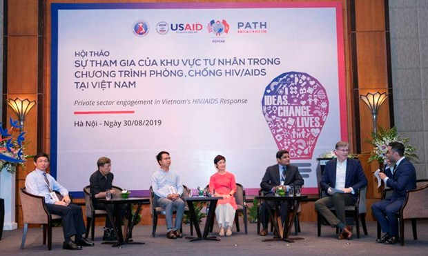 Seminar seeks promoting private sector's involvement in HIV combat hinh anh 1