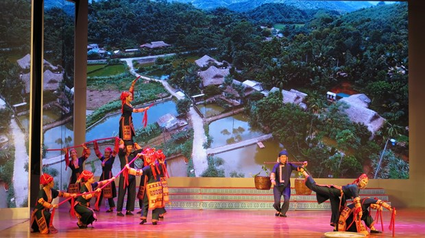Vietnamese, Israeli folk programme thrills audiences in Lao Cai hinh anh 3
