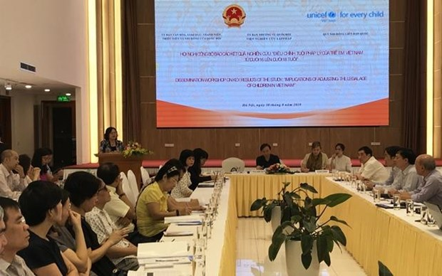 Legal age for children should be adjusted for better protection hinh anh 1
