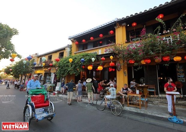 Hoi An tops CNN's list of 13 most beautiful towns in Asia hinh anh 1