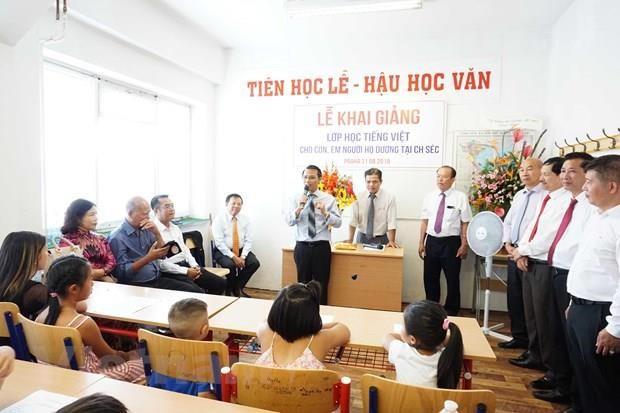 Free Vietnamese course held for children in Czech Republic hinh anh 1