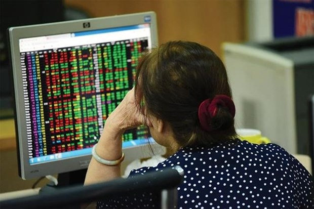 Trade wars, speculation to hurt stocks hinh anh 1