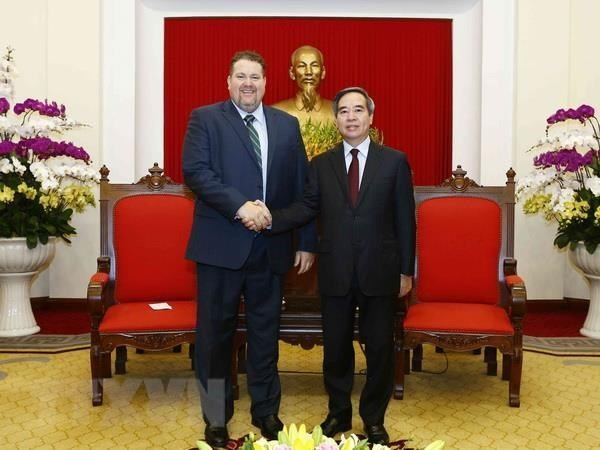 Party economic official affirms support for US energy company hinh anh 1