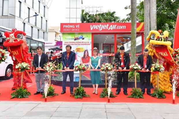 Vietjet opens check-in service in HCM City downtown hinh anh 1