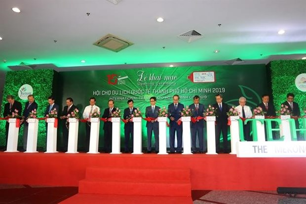 HCM City, Mekong Delta promote tourism cooperation hinh anh 1