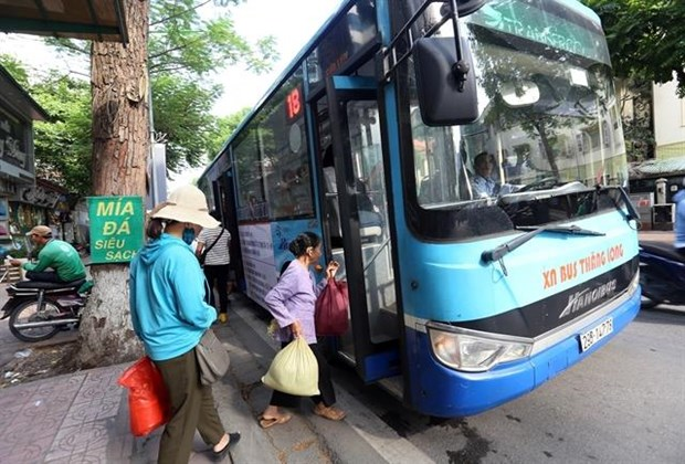 Heat inversion worsens air pollution in Hanoi: report hinh anh 1