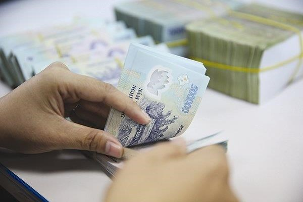 Corporate bond issuance rises in eight months hinh anh 1