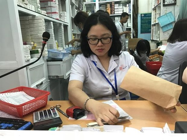 HCM City hospitals respond positively to call for reducing plastic waste hinh anh 1