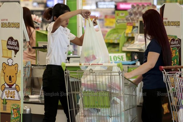 Thai supermarkets to stop using disposable plastic bags hinh anh 1