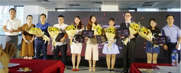 Medlink wins first startup contest VietChallenge 2019 hinh anh 1