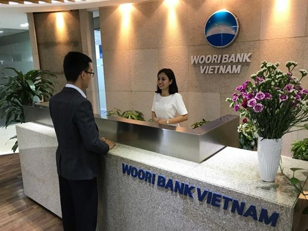 Woori Bank opens five branches in Vietnam hinh anh 1