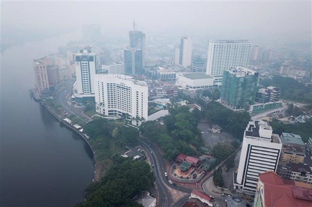 Malaysia closes over 400 schools due to haze hinh anh 1