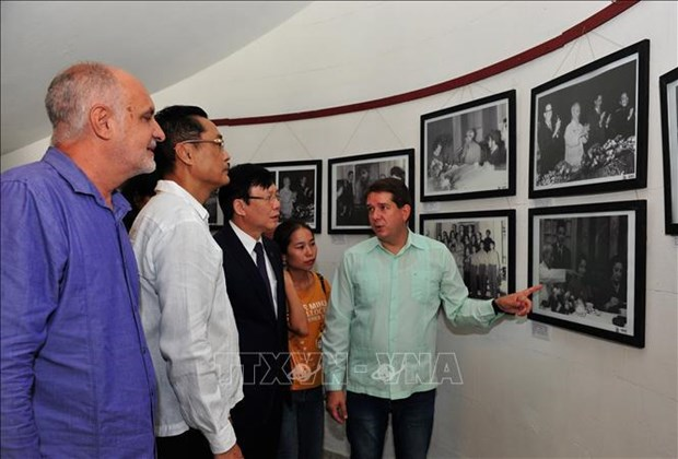 Vietnamese, Cuban journalists' associations exchange professional experience hinh anh 2