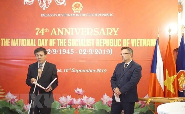 Czech diplomat hails Vietnam's role in global arena hinh anh 1