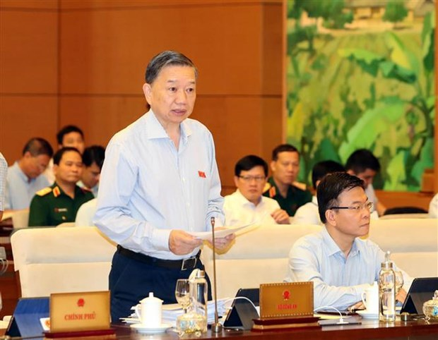 NA Standing Committee looks through criminal prevention, control hinh anh 1