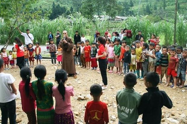 Needy kids enjoy Mid-Autumn Festival delights hinh anh 1