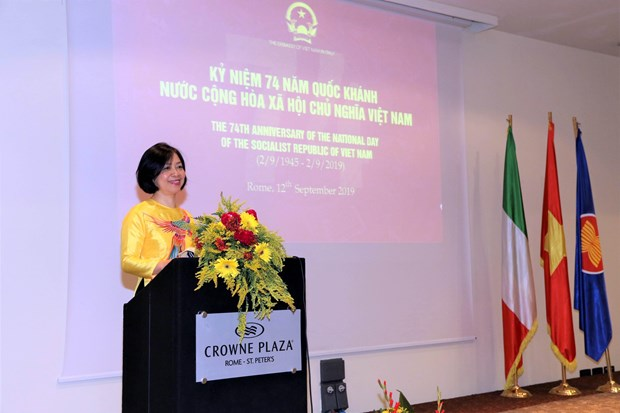Vietnam, Italy to boost ties within UN framework hinh anh 1