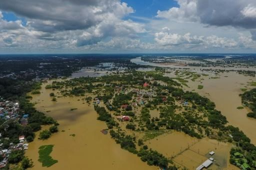 Widespread floods kill 32 people in Thailand's northeastern region hinh anh 1