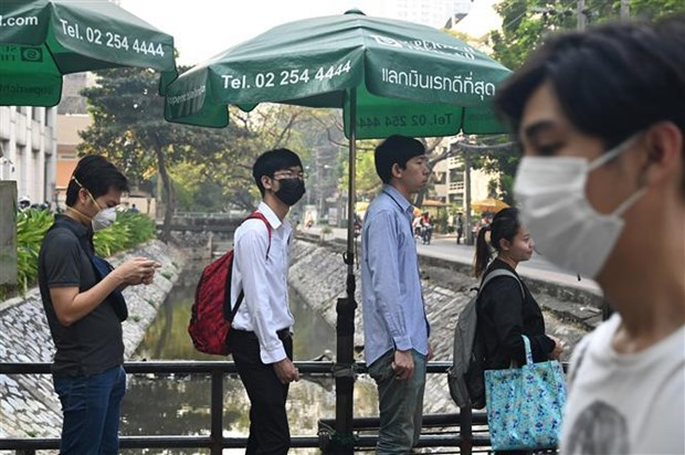 Thailand: Face masks handed out due to haze from Indonesia hinh anh 1