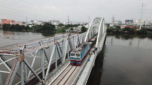 Bridge crossing Sai Gon River opens hinh anh 1