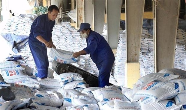 Fertiliser stocks nosedive on difficulties hinh anh 1
