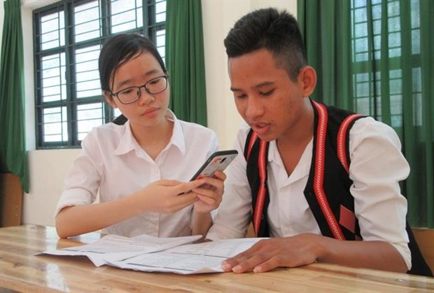Students develop app to preserve Raglai language hinh anh 1