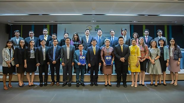 Thailand, Cambodia ink MoU on connecting capital markets hinh anh 1