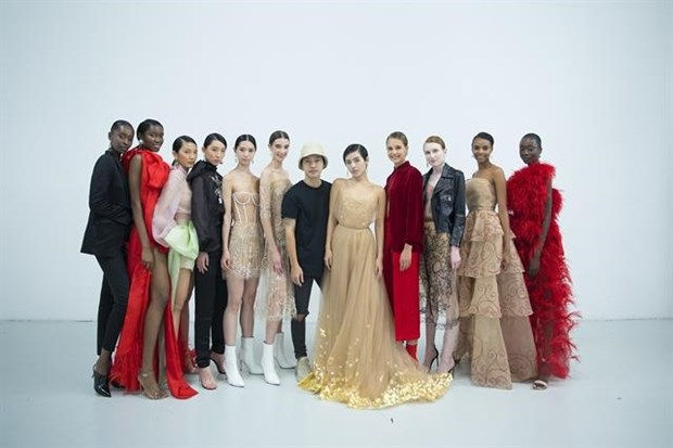 Vietnamese designer presents new collection in London hinh anh 1