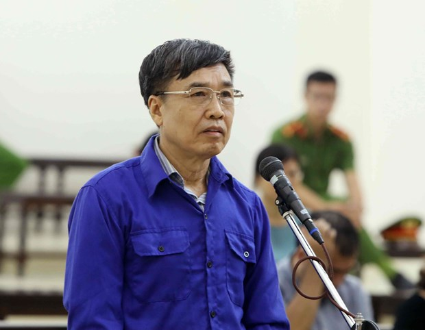 Former heads of Vietnam Social Security brought to court hinh anh 1