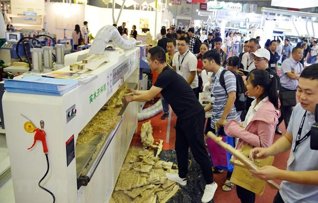 Int'l exhibitions on woodworking industry open in HCM City hinh anh 1