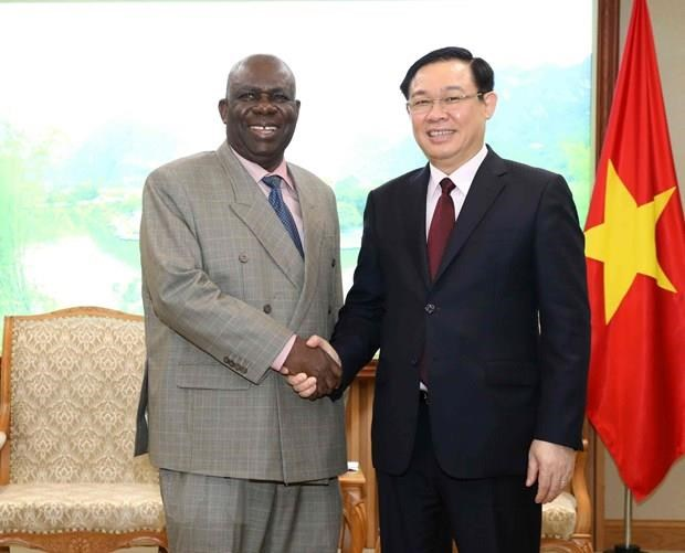 Vietnam aims to tighten ties with South Africa, Nigeria hinh anh 2
