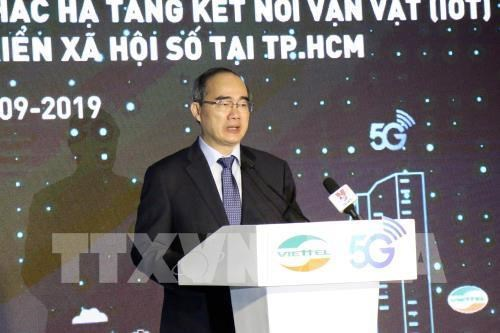 HCM City becomes first locality in Vietnam to get 5G service hinh anh 1