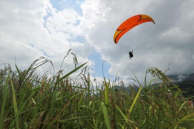 Paragliding festival returns Yen Bai province hinh anh 1