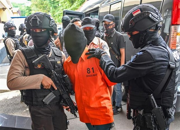Indonesia arrests eight IS-linked terror suspects hinh anh 1