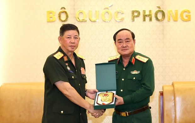 Vietnam, Laos enhance cooperation in military logistics hinh anh 1