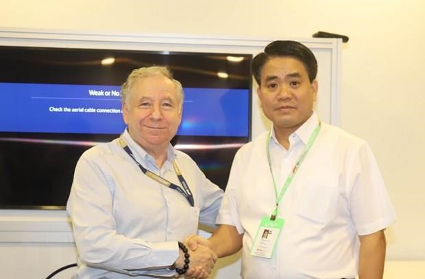 Hanoi learns from Singaporean partners' experience hinh anh 1