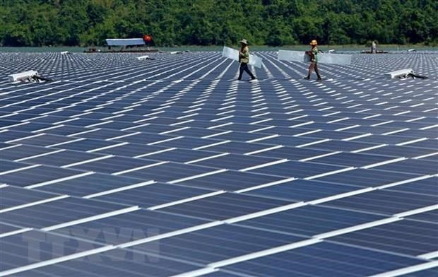 Vietnam, Singapore companies to jointly develop rooftop solar power hinh anh 1