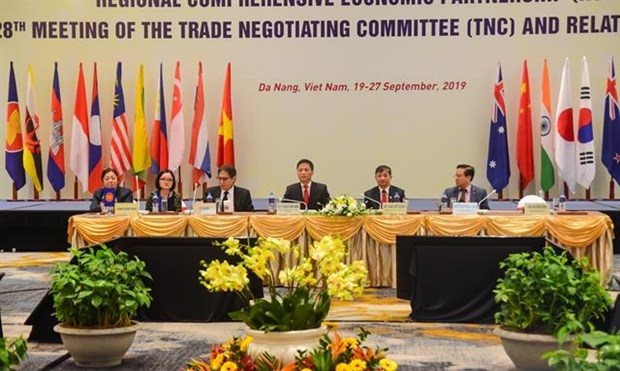 RCEP talks to solve trade barriers and find mutual ground hinh anh 1