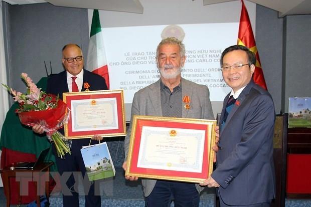 NA high-ranking official visits Italy hinh anh 1