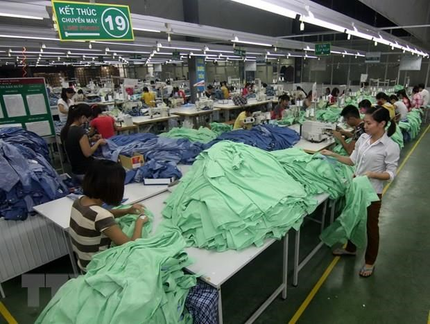 ADB cuts Southeast Asia growth forecast hinh anh 1