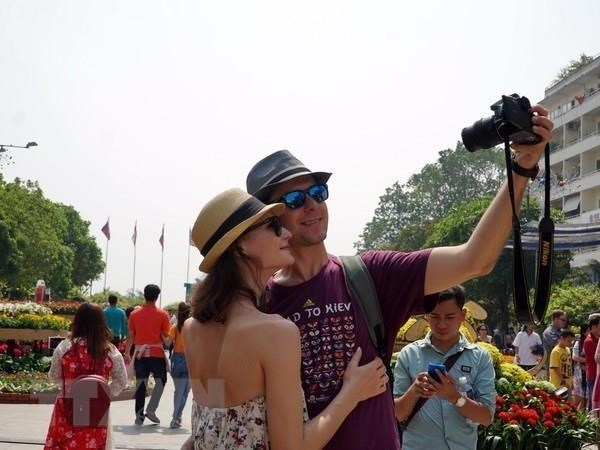 HCM City welcomes over 6.2 million foreign tourists in nine months hinh anh 1