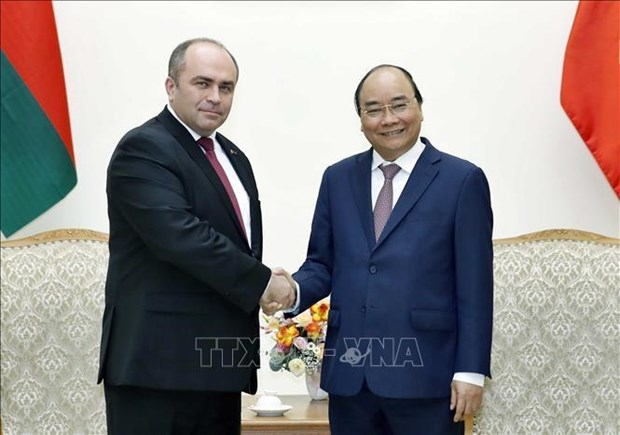 Vietnam always treasures close relations with Belarus: PM hinh anh 1