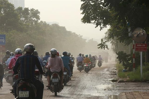 Hanoi's declining air quality blamed on change of seasons hinh anh 1
