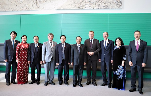 NA Vice Chairman pays working visit to Germany hinh anh 1